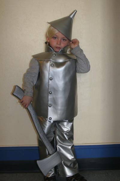 Diy tin man costume how to make kids tin man halloween costume solutioingenieria Images