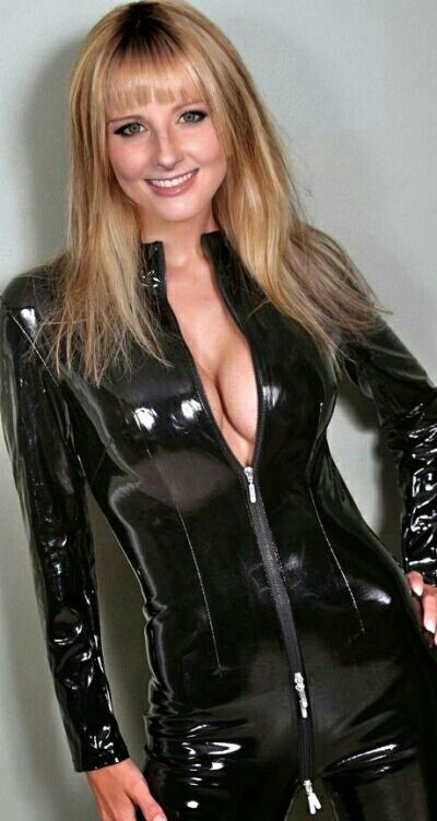 Glossy stretch vinyl for catsuits