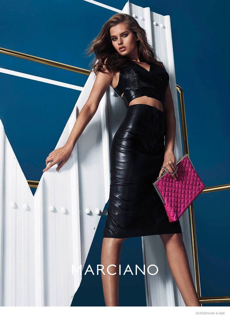 High waist-ed long leather skirt.