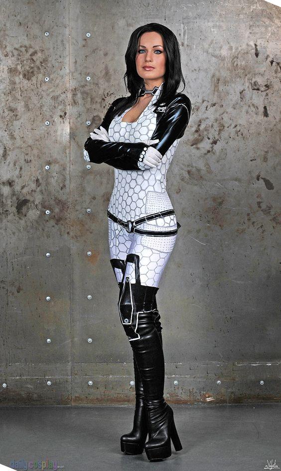 Miranda Lawson costume