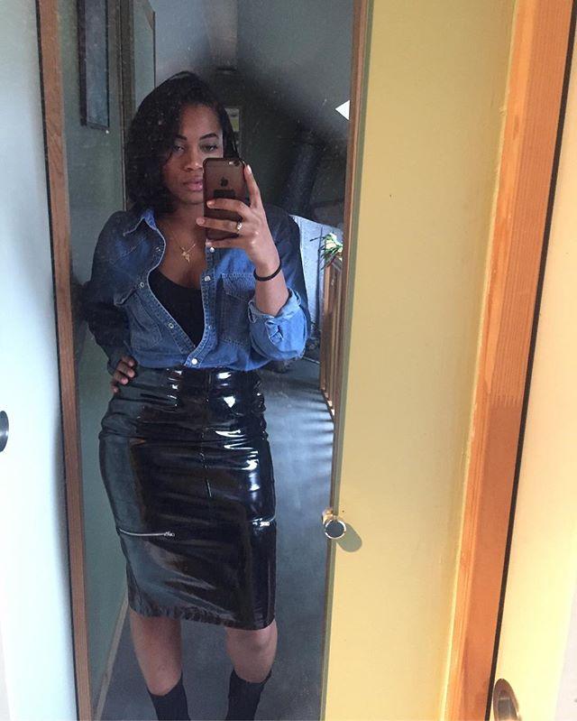 Side zips on vinyl skirt