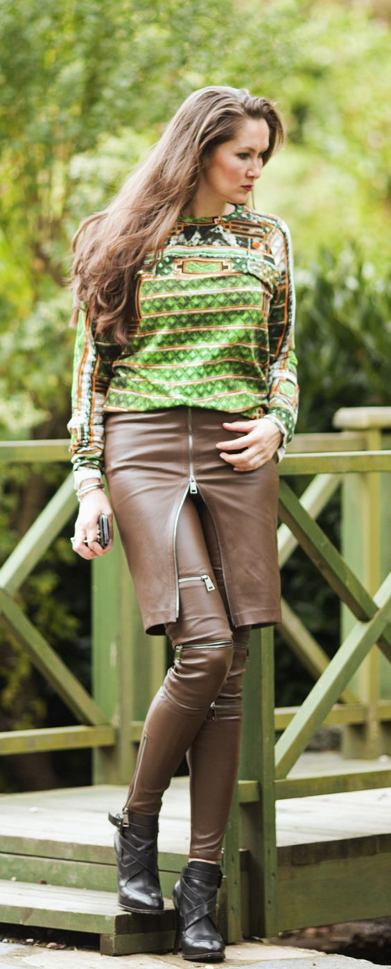 Brown leather skirt and pants with zippers