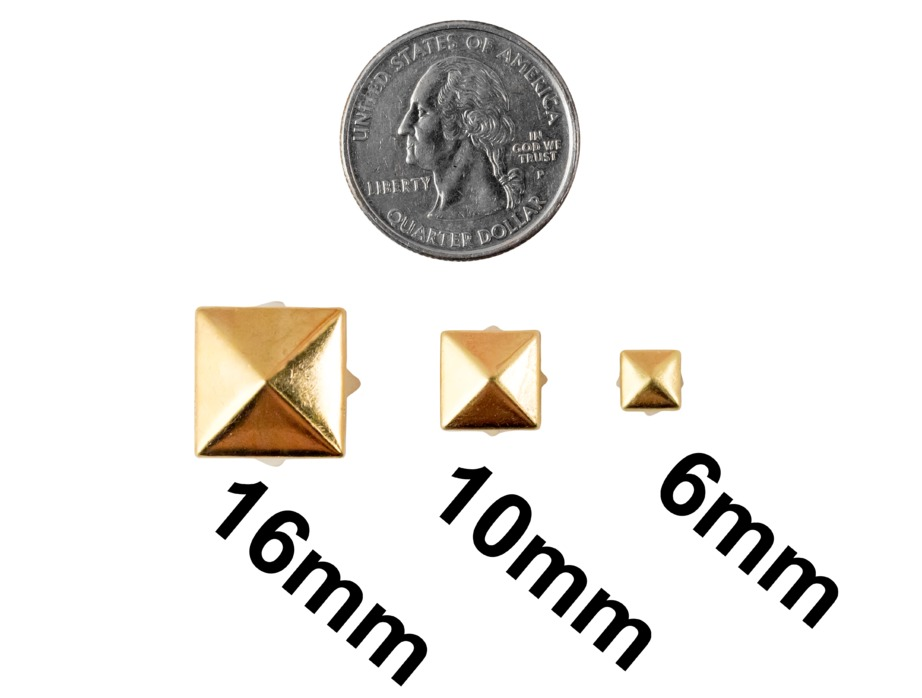 Mjtrends Fashion Studs Small Gold Pyramid
