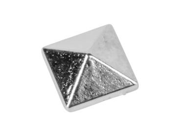 Silver pyramid spike